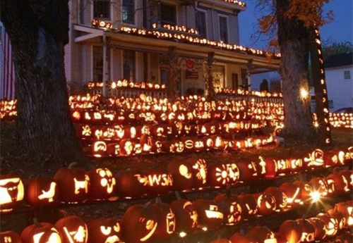 the 10 best decorated homes for halloween - Homes Decorated For Halloween